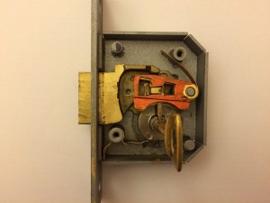 How-a-5-lever-lock-works-2